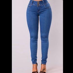 Fashion Nova- Round of Applause Jeans